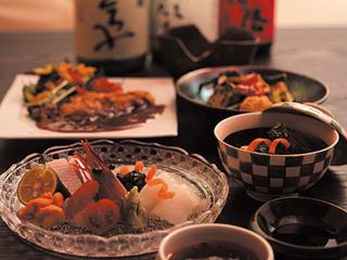 和み庵 篤屋 - 新鮮な食材を使った創作和食が自慢。