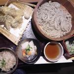 21383196 - 日替わり天ぷら蕎麦御膳 冷たい蕎麦(桶)バージョン