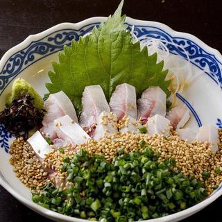 「博多ごまサバ」朝どれ真鯖を博多独特ごま溜醬油で生のまま食す