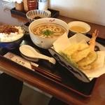 ひと粒 - まこも天ぷらうどん定食