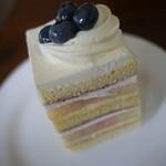 アンファン ルミエール - 桃のショートケーキ