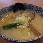 天空 - 塩らー麺大盛り(800円)