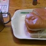 コメダ珈琲店 - 料理写真:アイスコーヒー(\380)とエビカツサンド(\750)