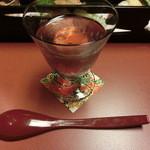 おたる宏楽園 - 料理写真:食前酒 : 紫蘇の香りが良い。薬臭さは無く甘くて飲みやすい。