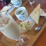 カフェテリア・ハーブ - 料理写真:モーニング(ドリンク代のみ)