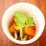 グラウンド ワーク - 季節野菜のピクルス