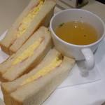 喫茶室ルノアール - 2013.09 奮発して+110円のベーコン玉子トースト&スープのセットのにしました:笑