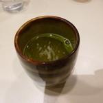 喫茶室ルノアール - 2013.09 しばらくしてお茶が出てきました、、そろそろ出て行けって意味って昔言われましたが、、愛知ではそういう意味ではないと思います。