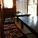 まねき猫食堂 - 小上がりはほっとします(*^_^*)