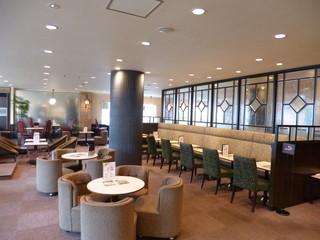 喫茶室ルノアール 巣鴨駅前店 - 2013.09 ゆったりした空間がルノアールの特徴のひとつかと思います♪