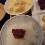 レストラン サンピア - コーンスープにクルトンたっぷり。 ご飯には梅かつおをのせました。