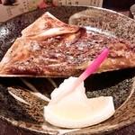 本気居酒屋高橋水産 - 鮪あごの岩塩焼(390円)