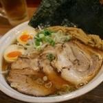 上海麺館 - 特製豚そば830円