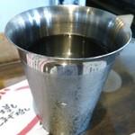 21416679 - 水のカップ