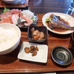さんまちゃん - お刺身定食です (¥1,380)