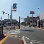 21418092 - 福大通りを地下鉄七隈駅方面に歩いていると見えてきました。