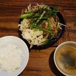 味かね食堂 - とんてき定食924円