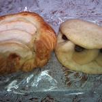 21425944 - 左:りんごデニッシュ、右:りんごパン from5種入り