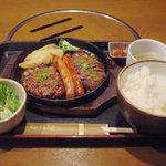 居酒屋 NIJYU-MARU - ステーキ&ハンバーグ&ソーセージランチ 1,000円