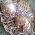 自然食 ホロ - リュスティック他 噛むほど素朴でうまみがありやめられなくなる♪ホロのパン