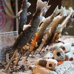 糸舞季 - 鮎とヤマメの塩焼きもそれぞれ500円で売ってます・