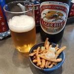 支那そば めでた屋 - ビール500円+サービスメンマ