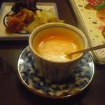 21442737 - パプリカのスープ。