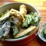 レストラン 最高地点 - 野菜天そば(温)900円