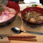 ゆるりん亭 - 海鮮丼にいも煮汁
