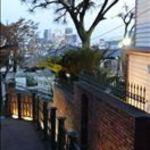 レストラン花の館 パラディ北野 - 石畳の小道に佇む隠れ家的ロケーション