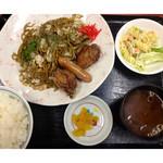 万徳 - ★C定食{唐揚げ+ウインナー+サラダ付き}