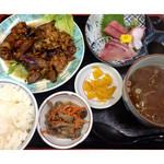 万徳 - ★焼肉ナス炒め+刺身定食(貝汁に変更)