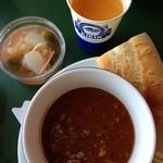 ザ・ババリアン・ペーター・タテシナ - スープセットとジュースとピクルス