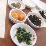 dammi 神戸三宮店 - ナムル・キムチは食べ放題