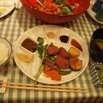 御堂筋 ロッヂ - ソースは「レモン、デミグラス、大根おろし、マスタード、醤油、ポン酢」