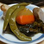 細江屋 - 1-2)朝食定食の煮物アップ