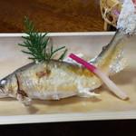 人吉旅館 - 料理写真:球磨川上流の川辺川の鮎の塩焼き(見事でした)