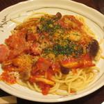 粉屋 - 「きのことベーコンのトマトソース」のパスタです。
