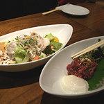 2146936 - '09 豚サラダとユッケ