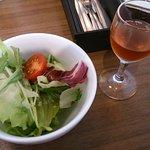 21460781 - ランチのサラダと食前ビネガー
