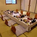 関屋 - 夕食のセッティング