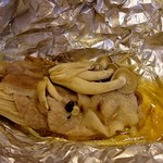 関屋 - 大分産豚とキノコのホイル蒸し