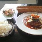 cafe de flots - ハンバーグデミグラスソース950円+ドリンク100円