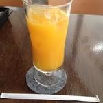 マダニス - オレンジジュース