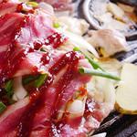 にっぽんダイニングDaRuMa - 関西発上陸!【鉄板☆スコップ焼肉】お肉と野菜を乗せた鉄板をテーブルまでお持ちしますので、大きなスコップの上で豪快に炒めて、炒めたお肉や野菜にコチュジャンをつけてサンチュで巻いてお召し上がりください。見た目だけじゃない!おどろきの旨さ!!