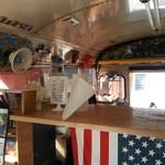 タビカフェトリッパーズ - スクールバスの中のメニュー・・・たこやき扱ってます。