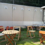 タビカフェトリッパーズ - 天気が良ければ外のテーブルも気持ちよさそう。