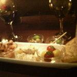 2149999 - タパス5種盛り・白ワイン・付き出しのオリーブ