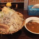 21490608 - ガッツランチ 半ラーメンとカレーライス 650円 野菜・ニンニク・背脂増し 【 2013年9月 】