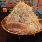 21490676 - ガッツランチ 半ラーメンとカレーライス 650円 野菜・ニンニク増し 【 2013年9月 】